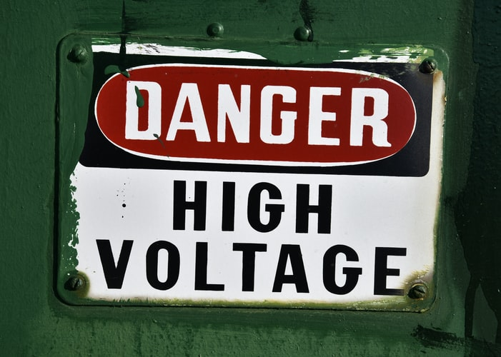 Top 5 Warning Signs to Replace Electrical Wiring in Your Home